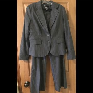New York & Company Stretch Suit